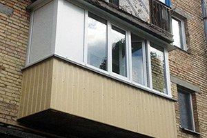 Балкон с наружной обшивкой за один день